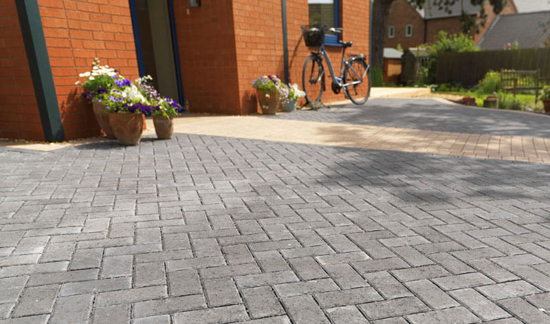 Permeable paving collecting rainwater into tank